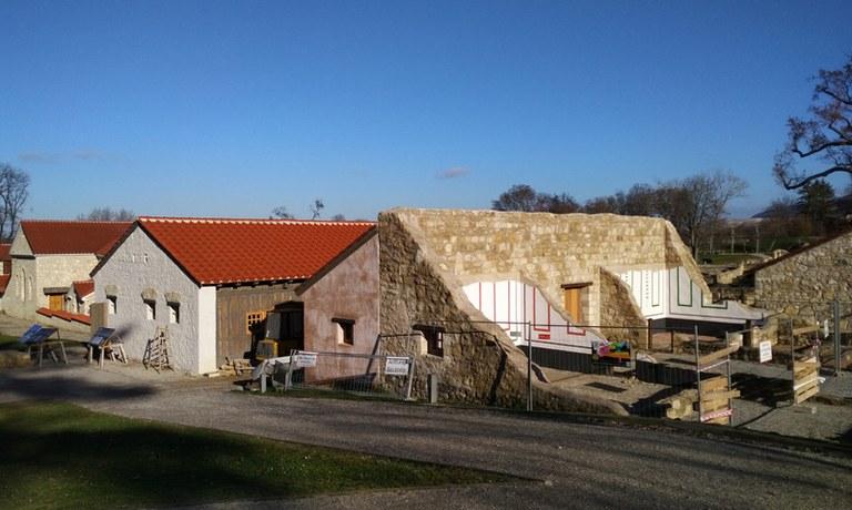 Bereits im September 2017 ist mit weiteren Baumaßnahmen im Römischen Stadtviertel begonnen worden. Das sind die ersten Schritte der Arbeiten.