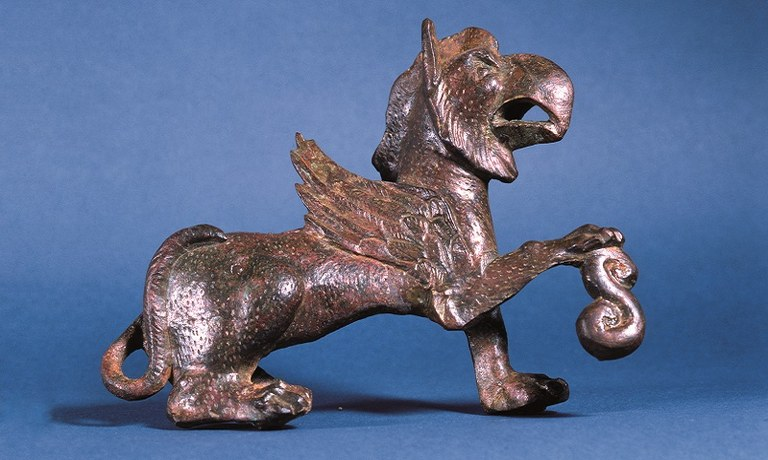 Der Sammlungsbereich Römische Archäologie umfasst derzeit etwa 2,6 Millionen Objekte, viele davon können in der Online-Sammlung des Land NÖ entdeckt werden.