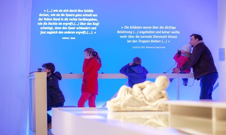 Für Familien zahlt sich ein Museumsbesuch ab sofort besonders aus! Pro Kind erhält die Familie 1 € Ermäßigung, wenn die Eintrittskarten im Museum Carnuntinum gekauft werden.