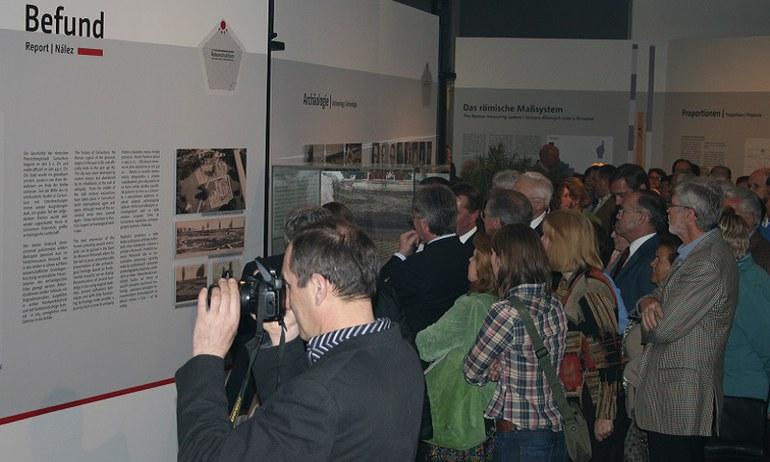 Die Gesellschaft der Freunde Carnuntums veranstaltet jede Saison Exkursionen sowie zahlreiche Symposien und wissenschaftlichen Vorträge in Wien bzw. Carnuntum.
