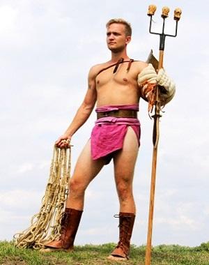 Žil som pokojne v markomanskej dedine, bol som ale odvedený a predaný do otroctva. Môj nový život ako gladiátor sa mi ale tak páči, že sa ho už nechcem vzdať.