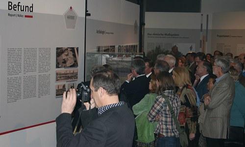 Spoločnosť priateľov Carnunta organizuje každoročne exkurzie, viaceré sympózia a vedecké prednášky vo Viedni aj v Carnunte.