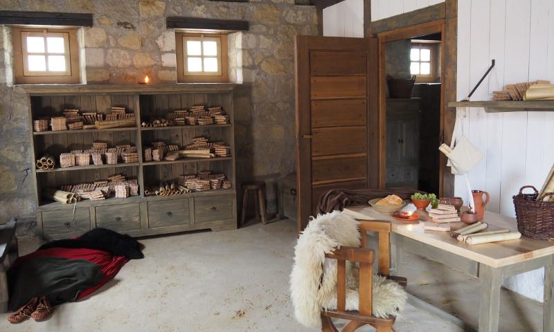 Diesen Herbst stellen wir Ihnen die Wohnzimmer Carnuntums vor und beschäftigen uns mit den Besonderheiten der Häuser in der Römerstadt.