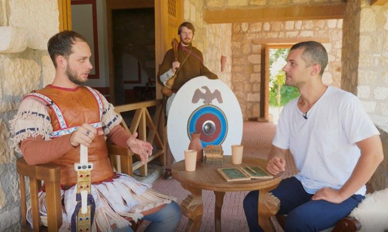 Das Fest der Spätantike steht vor der Tür und Moe erhält von Initiator Géza Frank exklusive Einblicke in die Vorbereitungen und die Veranstaltung.